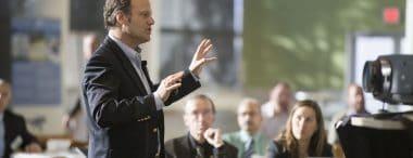 Presentazione aziendale in pubblico: come concluderla in modo brillante