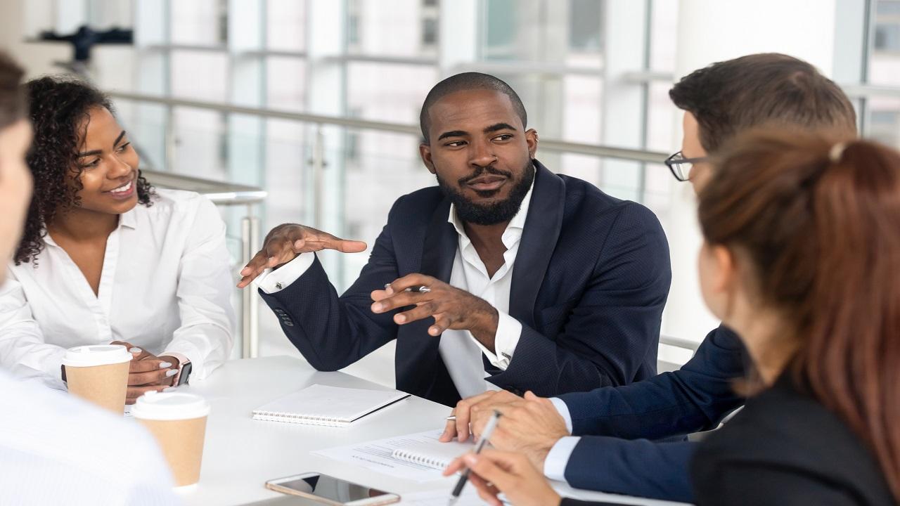 Fare networking è una competenza professionale indispensabile che può fare la differenza nel proprio percorso di carriera. Ecco i consigli per farlo nel modo più efficace.