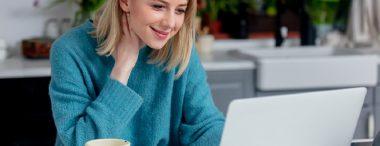 Traduttore, addetto al customer service, programmatore, social media manager: alcuni dei lavori da poter svolgere comodamente in regime di remote working.