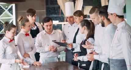 Lavori stagionali: i settori coinvolti, i ruoli più ricercati e le skill necessarie richieste per questo tipo di occupazioni